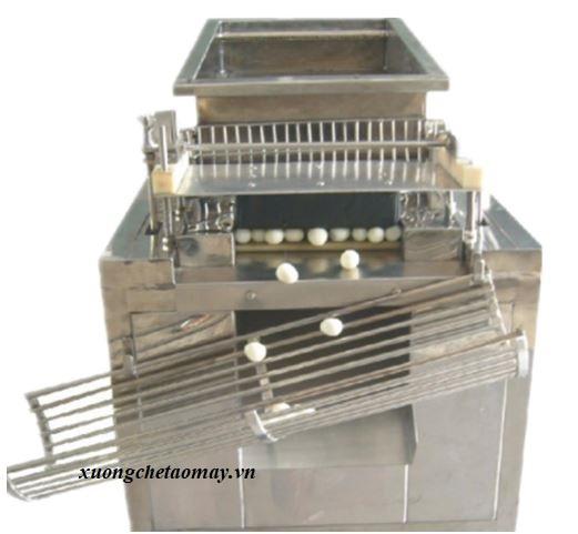 máy bóc vỏ trứng cút tự động